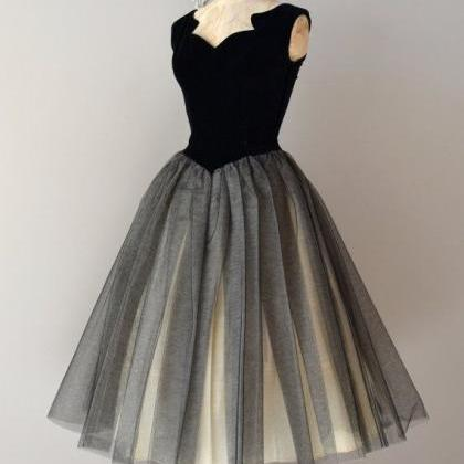 V-neck Grey Tulle Homecoming Dresse..