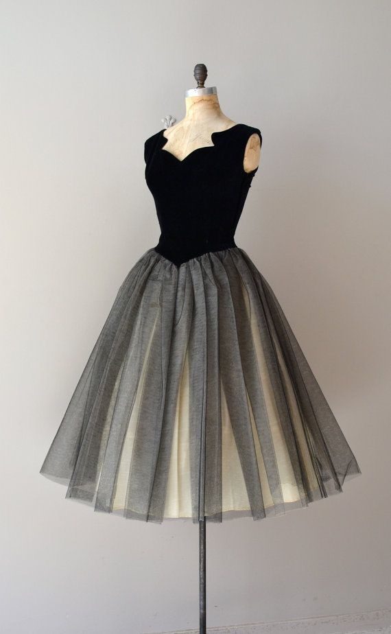 V-neck Grey Tulle Homecoming Dresses Knee Length Women Dresses