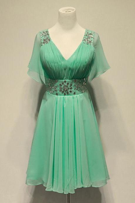 Cheap homecoming dresses 2017 Charming Mint Green Chiffon Knee Length Bridesmaid Dresses with Beadings, Knee Length Bridesmaid Dresses, Green Bridesmaid Dress