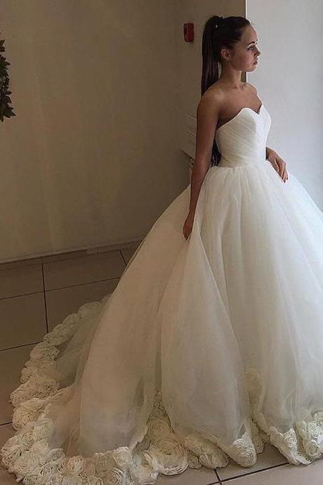 Strapless Sweetheart Ruched Ball Gown Wedding Dress with Floral Appliqués Hem and Long Train