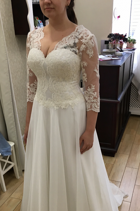 Fashion Romantic Plus Size Wedding Dress 2017 3/4 Sleeves Appliques Lace Sexy V neck