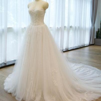 Luxury Strapless -Up Appliques A Line Chapel Train Wedding Dress